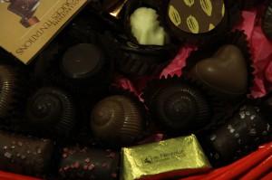 800px-Chocolates_closeup